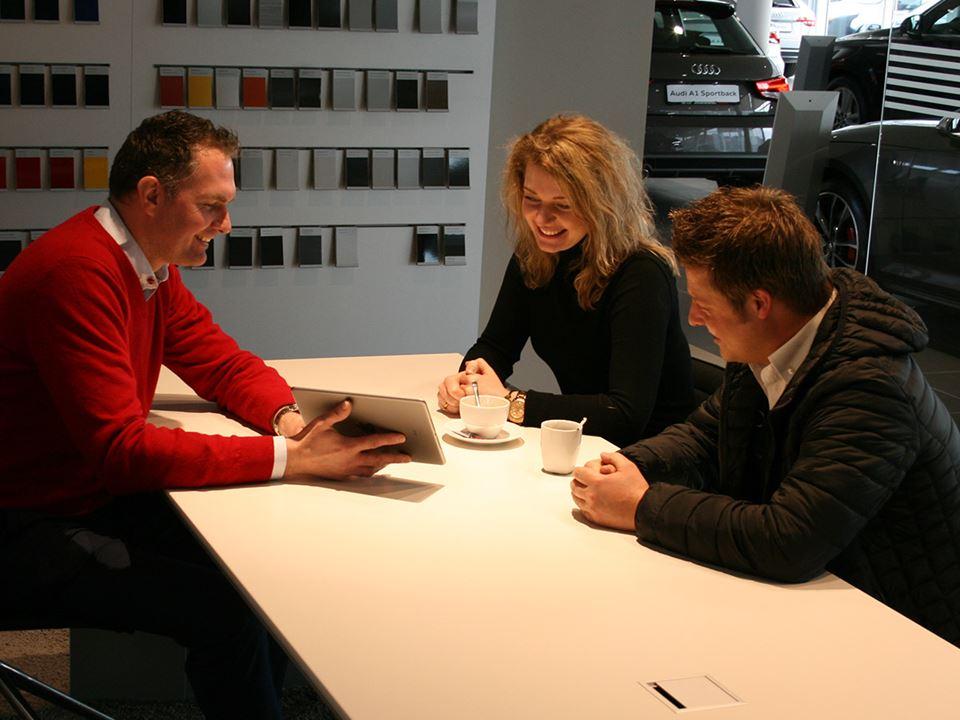 2017 Audi Showroom Customer Private Lounge Vandenbrug 2